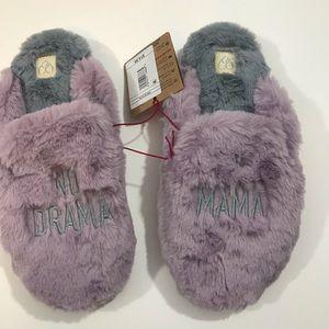 Women's Memory Foam slippers. NWT